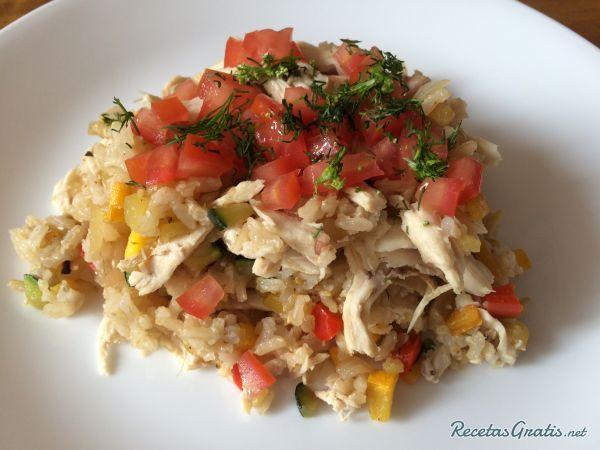 Arroz integral con verduras y pollo #Recetas #RecetasFáciles #RecetasGourmet #Arroz