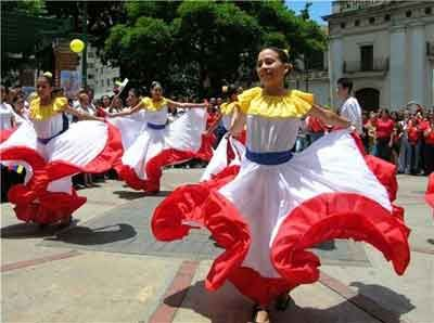 Venezuelan fashion combined with the dancing culture. The dress colors are simply luminous.