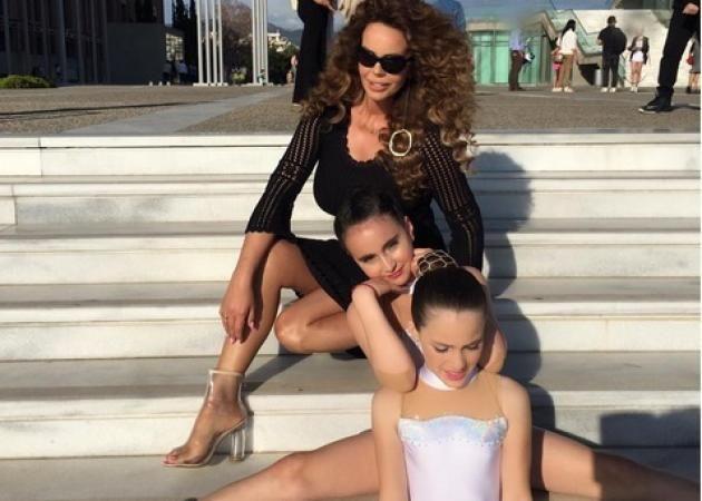 Ιωάννα Λίλη: Μας δείχνει σε βίντεο την προετοιμασία της κόρης της για την παράσταση Ρυθμικής Γυμναστικής που συμμετείχε!