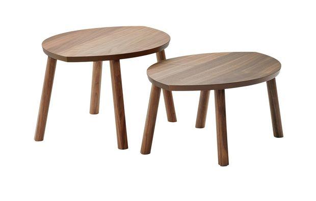 Sgabelli e tavolini in legno naturale: 12 novità