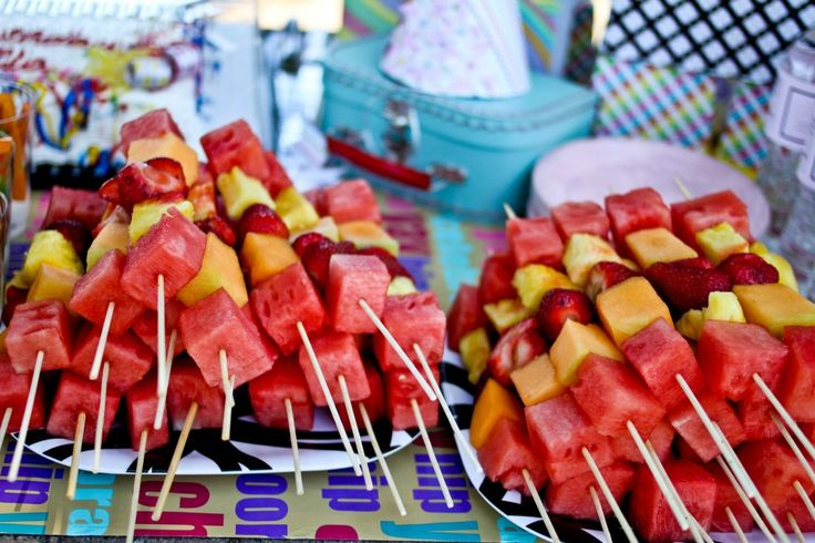 Individual Fruit Kabobs - Same as veggie cups, minimizes table crowding! And Everyone gets a taste!
