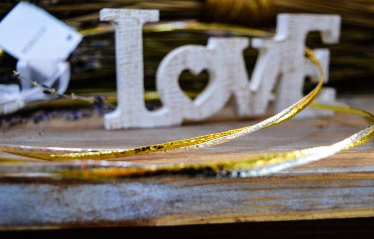 Διπλά στέφανα γάμου με χρυσό και ασημί χρώμα .