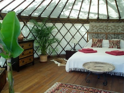 Glamping glamping: Yurts Glamping, Favorite Places, Yurts Interiors, Trees Houses, Hoopo Yurts, Yurts Hotels, Beaches Houses, Border, Cuts