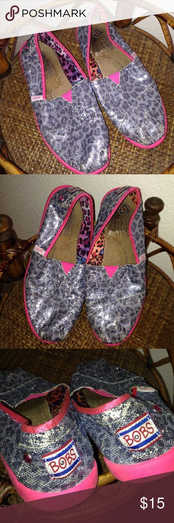▪️Skechers Zebra Flats▪️ Purchase with Purpose! #VegasStrong🙏🏼💙 Skechers BOBS Zebra Sequin Flats in size youth 3 fits a women's 5. In VERY GOOD condition! My prices change often for sales & specials, so buy your favorite items when prices are low! Thank you for shopping my closet. Mahalo!🤙🏼♥️ Skechers Shoes