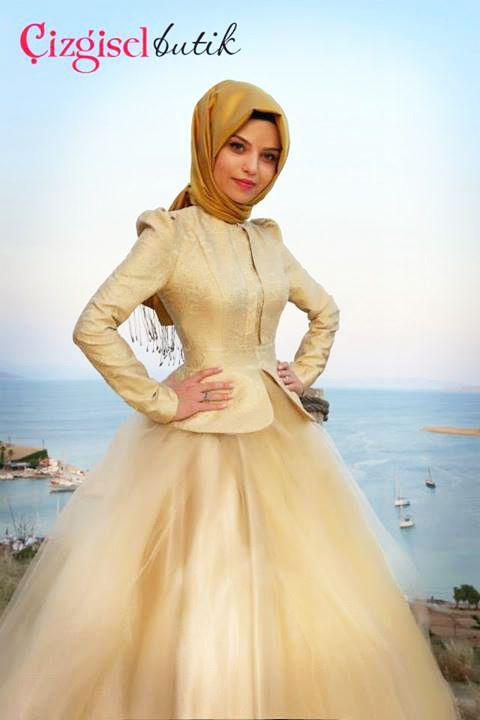 Sarı Tül Etekli Nişanlık - Ortuluyum.com - Tesettür Giyim Modelleri ve Tesettür Modası Tasarımları