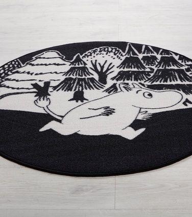 Muumi-matto, musta-valkoinen - HOBBY HALL - 29,90 €