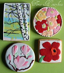 Marimekko Cookies!! This is just a small pic I found via Google, but so cute and what talent it took to make them!!   I love them!! ~ Brita