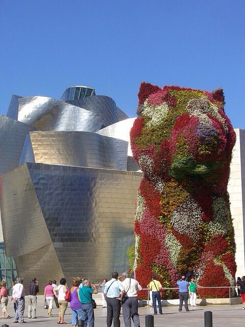 Bilbao. Museo. Guggenheim con  Puppy