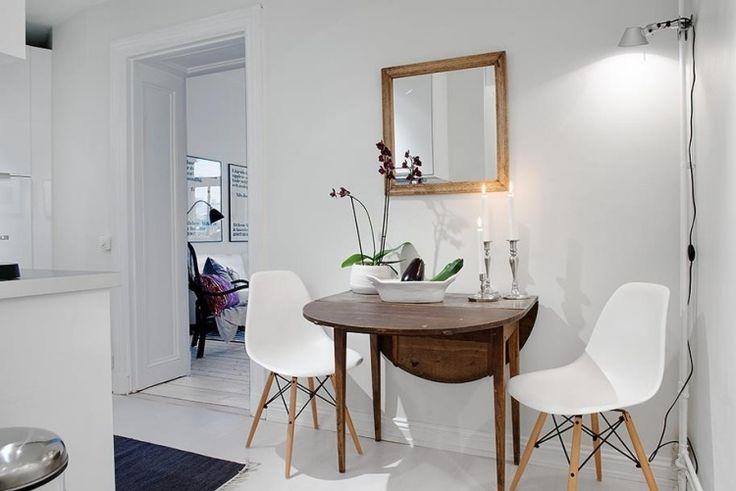 Klappbarer Esstisch aus Holz für kleine Räume