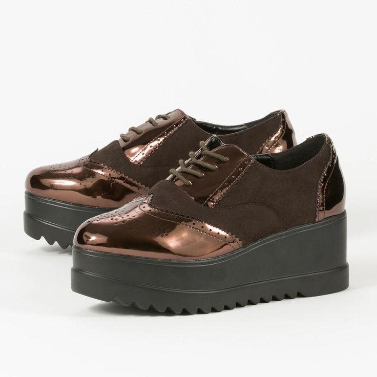Oxford πλατφόρμες σε ξεχωριστή μπρονζέ απόχρωση. Ανακαλύψτε τα πιο μοντέρνα γυναικεία παπούτσια μέσα από την πλούσια συλλογή για τον χειμώνα 2016 του shooz4all.