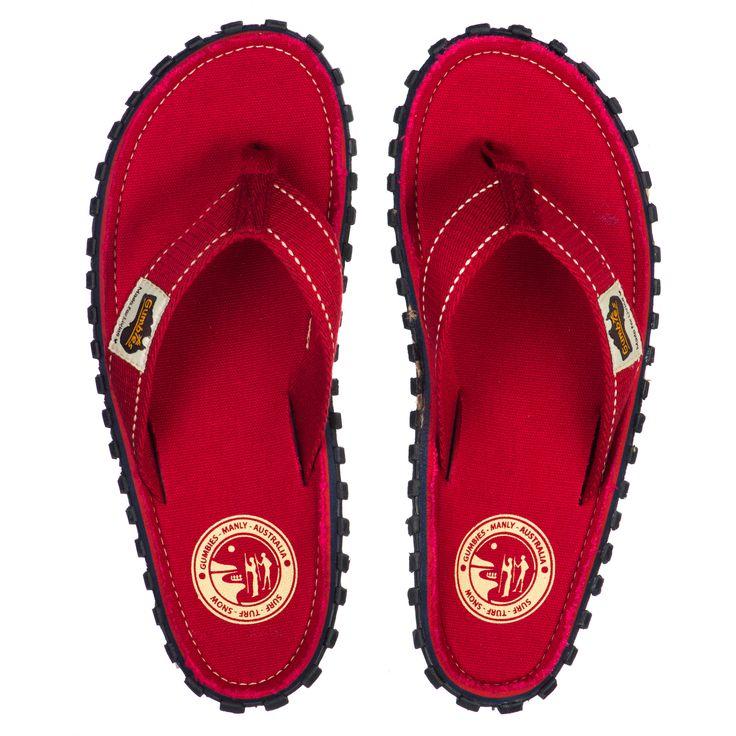GUMBIES Red - Rote Sandalen ür jede Situation, ob am Strand oder in der Stadt. #gumbies #sommer #strand #mode #schuhe #sandalen