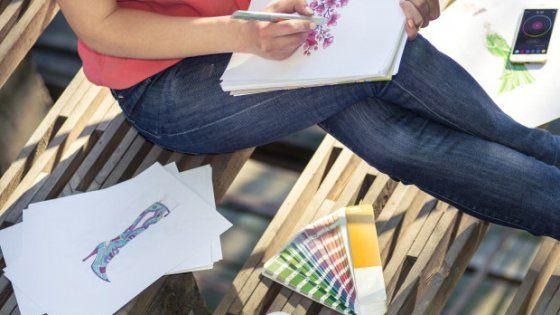 Cronzy, la penna che cattura i colori del mondo. Lo strumento smart riproduce 16 milioni di tonalità. Grazie a uno scanner ''impara'' e consente di personalizzare i risultati con una app