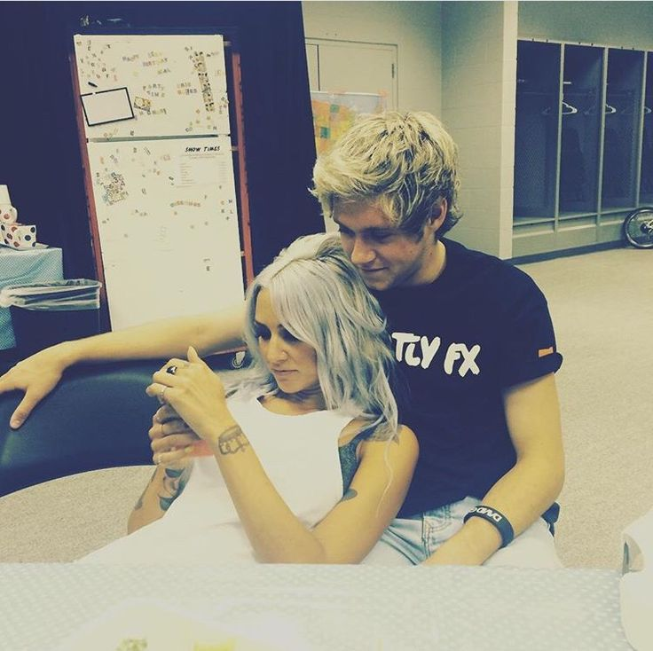 Lou Teasdale posted this on Instagram for Niall's bday ❤️