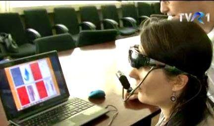 Daniel Roxin: Ochelari prin care controlezi cu ochii computerul,...