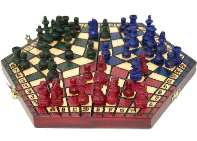 【ホビーマート】 三人用木製チェスセット:Troika(トロイカ)ルール説明書付 chess 数量限定販売 盤 駒 ゲーム