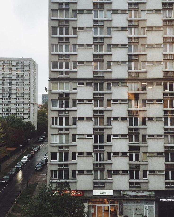 ::: stuck between block of flats in a #rainyday ;)