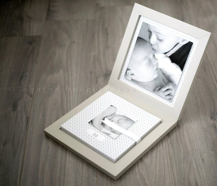 Babybook with cream touch box, the inside of the box and the cover are printed.  The French photographer Tabatha Houguenague made this nice babybook with the #graphistudio 2D Configurator. #newborn #portraitphotography http://www.graphistudio.com/en_US/home