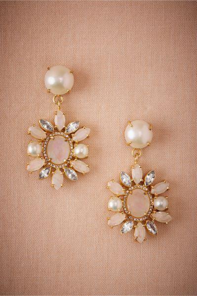 Bijoux de mariée avec des perles 2017 : classe et tradition au rendez-vous Image: 33