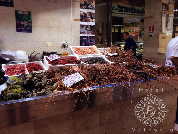 http://www.hotelbjvittoria.it #mercato #fisch #sea #italy #cucinaitaliana # Cagliari #Sardegna