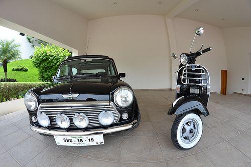 RETRO SCOOTER GARAGE: Mini Cooper & Vespa PX 200
