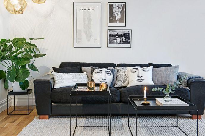 Skandinavischer Stil Geradliniges Sofa In Schwarz Deko Kissen