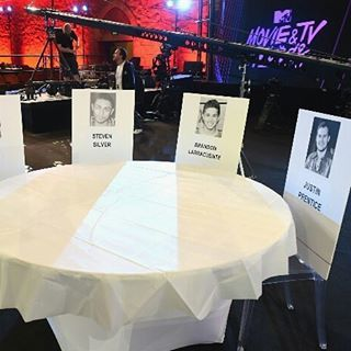 ��������MTV Movie & TV Awards ceremony - Halo team exclusive, final wall through getting ready for clients arrival #13reasonswhy cast table  #...LIVE FEED�� #fashionpolice #mtvmovieawards #sunday #mtvawards #personalprotection #miami #security #allaccess #eredcarpet #backstage #blonde #redcarpet #executiveprotection #celebrity #movies #tv #mtv #live #bodyguard #photooftheday #newyorkcity #dubai #london #fashionblogger #newyork #fashion #bestdressed  #celebritystyle  Service Request@��…