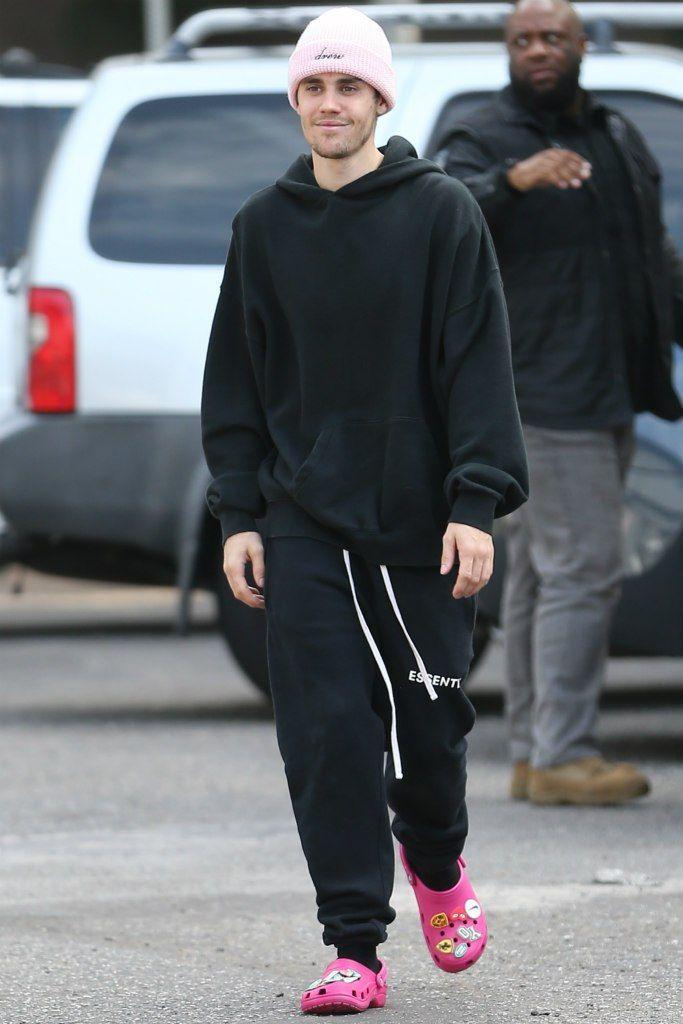 Justin Bieber S Most Colorful Crocs Moments Justin Bieber Style Justin Bieber Outfits Justin Bieber
