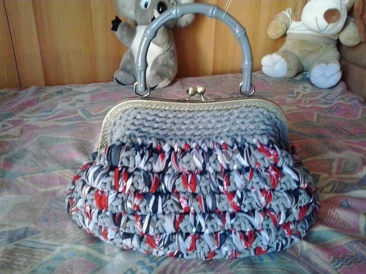 borsa vintage  con chiusura clack interno in pelle
