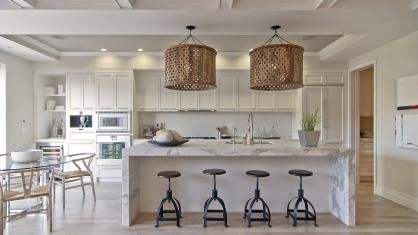 Designed by Scott Martin of Blue Plum with interior design by Jeff Schlarb, this #kitchen combines #classic styling with a #contemporary sensibility. Natural materials have been teamed with man-made to create a sense of warmth and to add textural interest.   #SanFrancisco home #interiordesign
