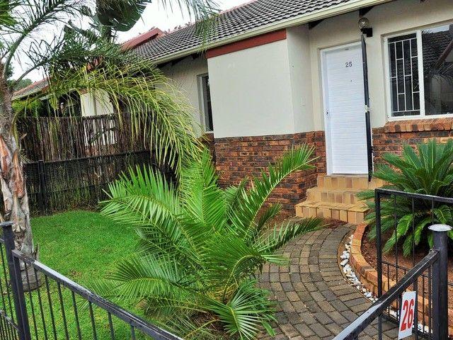 2 Bedroom Townhouse To Let in Erasmuskloof | Feel At Home Properties