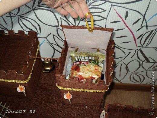 Поделка изделие День рождения Крепость Бумага гофрированная Картон Клей Сутаж тесьма шнур фото 4