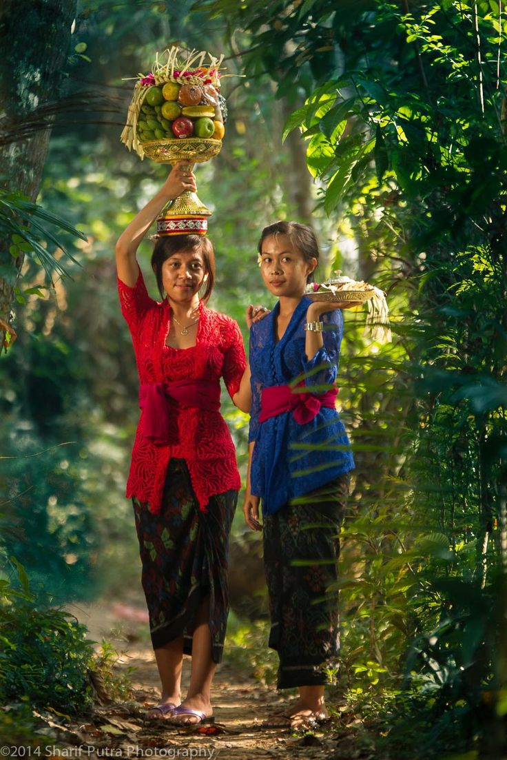 Balinese Girls by Sharif Putra  on 500px