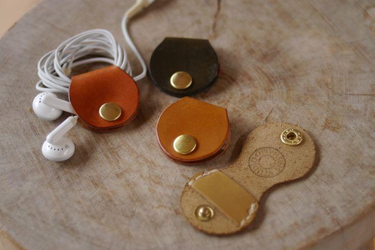 Rangement pour écouteur en cuir / Earphone Winder
