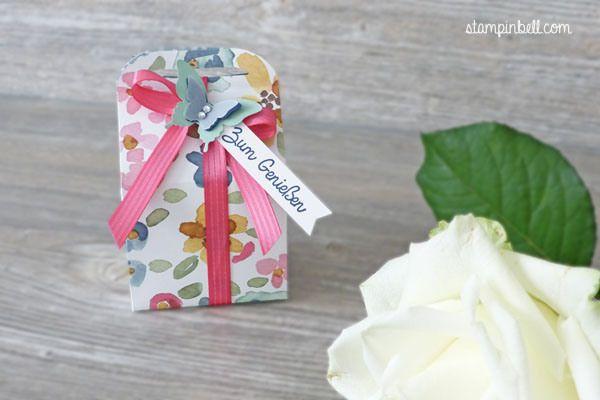 Leckereien-Box Stampin´ Up! Englischer Garten Schmetterling  Minzmakrone Marineblau Wassermelone Pink