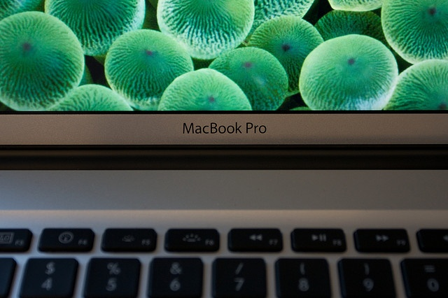 how to see photos on macbook air
