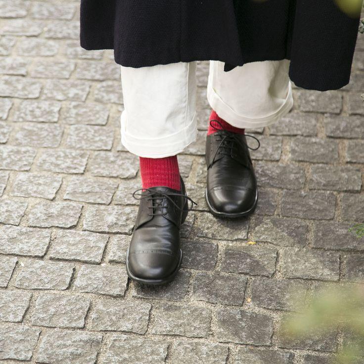 【当店限定】歩きやすくすべりにくいメンズライクな革靴。スタイルストア専属のバイヤーが、6つのこだわりの選定基準で選んだ「KUTSUNE/レースアップシューズ BLUCHER OX ブラック 1(22.0~22.5cm)」の通信販売ができる紹介ページです。
