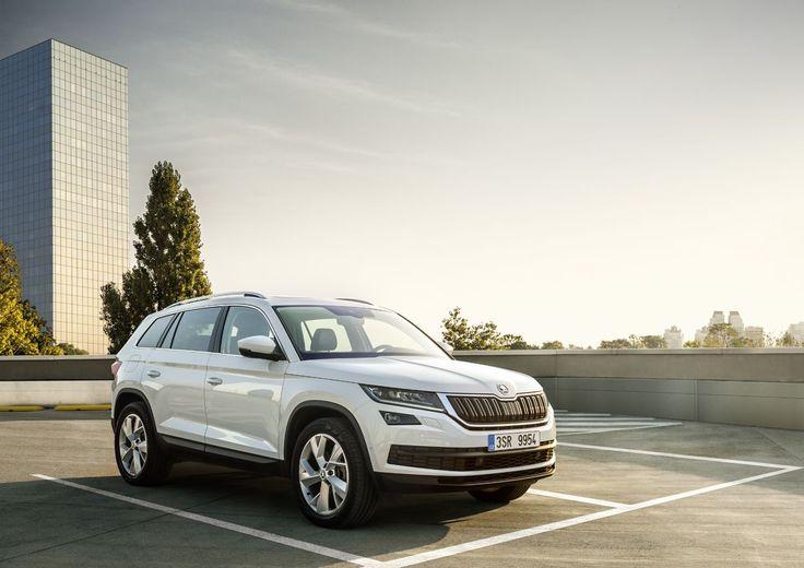 Noticias de coches nuevos, pruebas de carretera, comparativas entre coches, promociones en los concesionarios, seguridad vial.