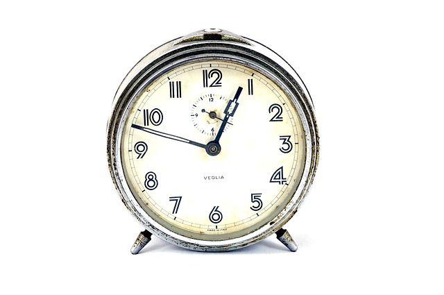 A jó munkához idő kell, a profihoz határidő...   2015.február:  http://konyveloleszek.hu/?q=content/j%C3%B3-munk%C3%A1hoz-id%C5%91-kell-profihoz-hat%C3%A1rid%C5%91-2015febru%C3%A1r