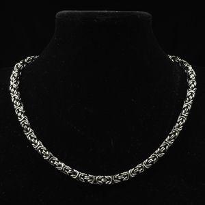 Populärt hänge åter i lager! Även snyggt nytt halsband inkommit, se bild. Och, JA, de går att kombinera!! Happy Shopping! #herrsmycken #metal #smycken #ringar #armband #halsband #jul #julklapp #julklappar #present