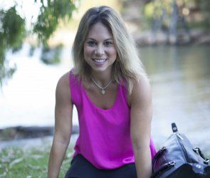 The 'Travelling Dietitian' aka Kara Landau is an infectiously passionate healthy foodie. Take a look at what powers Kara through her day!  #kara #landau #mydayonaplate #foodie #inspo #health #fitness #wellness #goodnessmebox #nutrition #wellbeing #travel