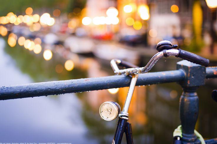 https://flic.kr/p/Zyiqyn | Bike and Cobweb, Leidsegracht, Amsterdam, Holland