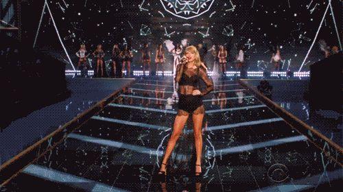 20 fatos que comprovam: Taylor Swift é a amiga que todo mundo sonha em ter  20. Vocês poderiam mandar um beijão para os haters de plantão