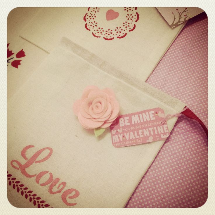 Seasonal gift bags ( valentine's edition ).