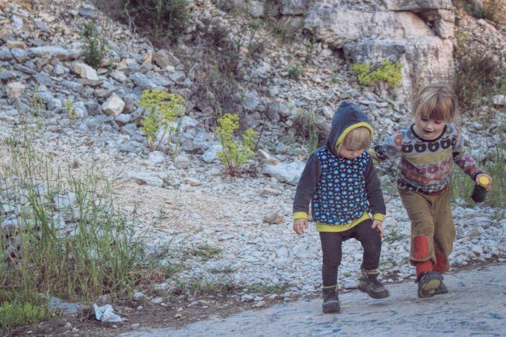 LIFEforFIVE-Kletterurlaub mit Kindern. Unsere zwei Mädels erkunden den Klettergarten bei Rovinj.