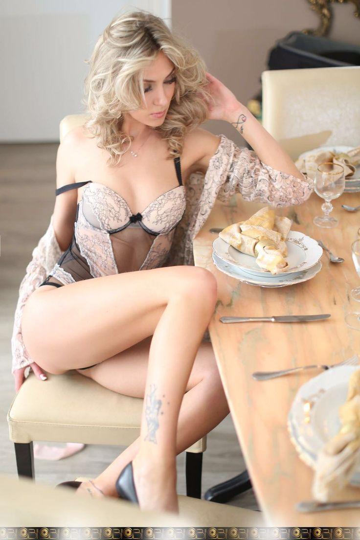 Irina bionda escort ungherese ha scelto www.1001notte.it per i suoi annunci erotici!