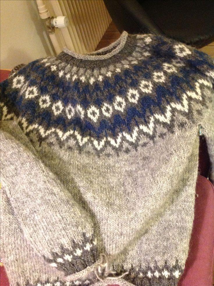 Riddari strikket i lett lopi 4 islandske trøje