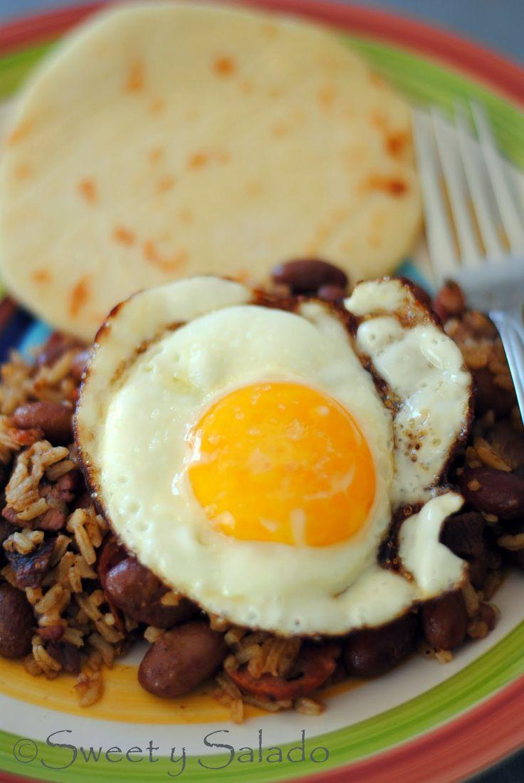 Calentado (Colombian Breakfast) // Calentado o Calentao
