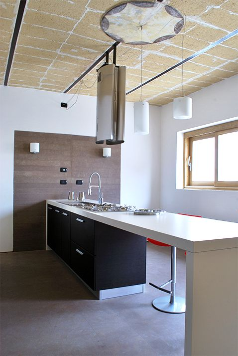 Architecture. mediterranean house renovation. A project by OfficineMultiplo. #pietra #stone pietra leccese #cucina #kitchen