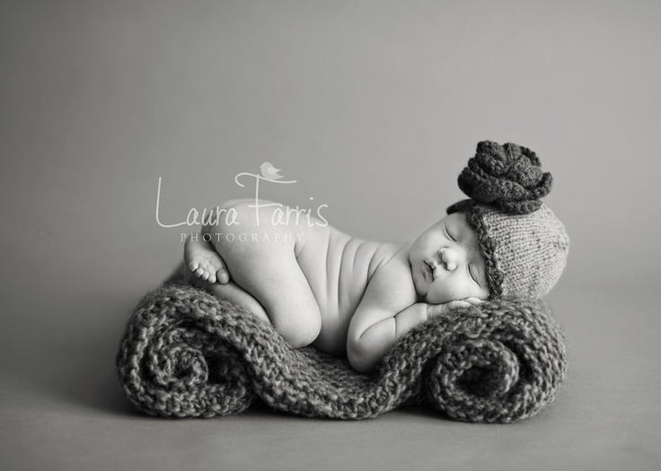 Awwwww. I love babies: Sweet, Newborns Pictures, Photo Ideas, Newborn Photos, Rolls Blankets, Newborns Pics, Baby Photography, Newborns Photography, Newborns Poses