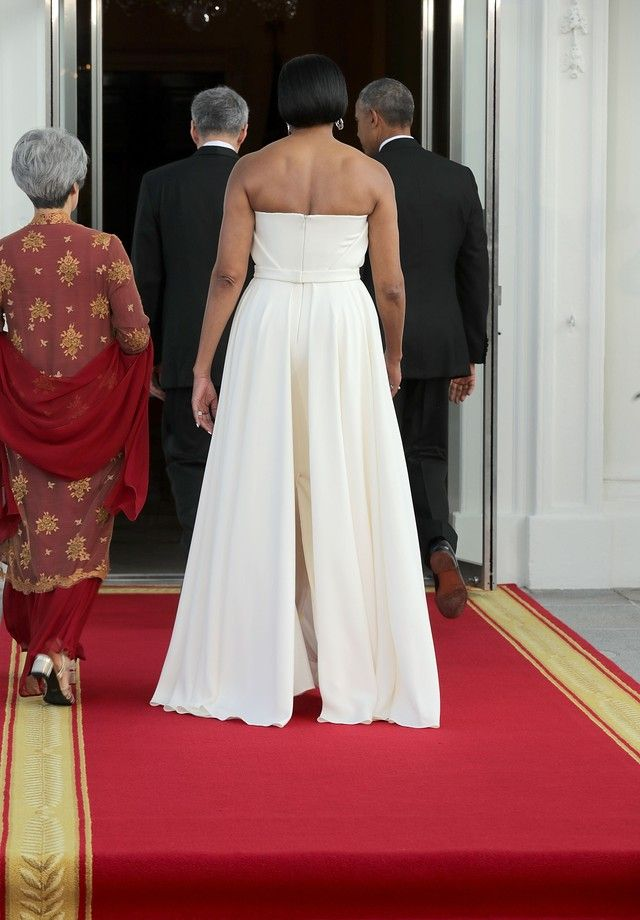 Michelle Obama usa vestido by Brandon Maxwell